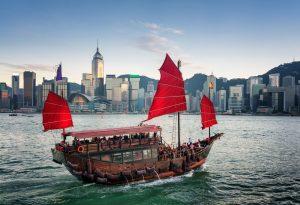 Thuyền buồm là hình ảnh đặc trưng của Hồng Kông